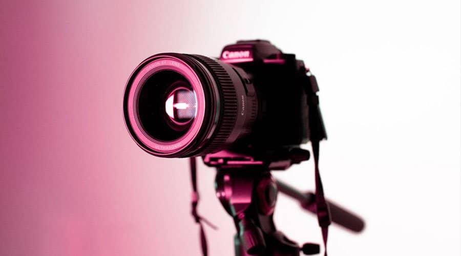 Canon-T7i-dslr-camera