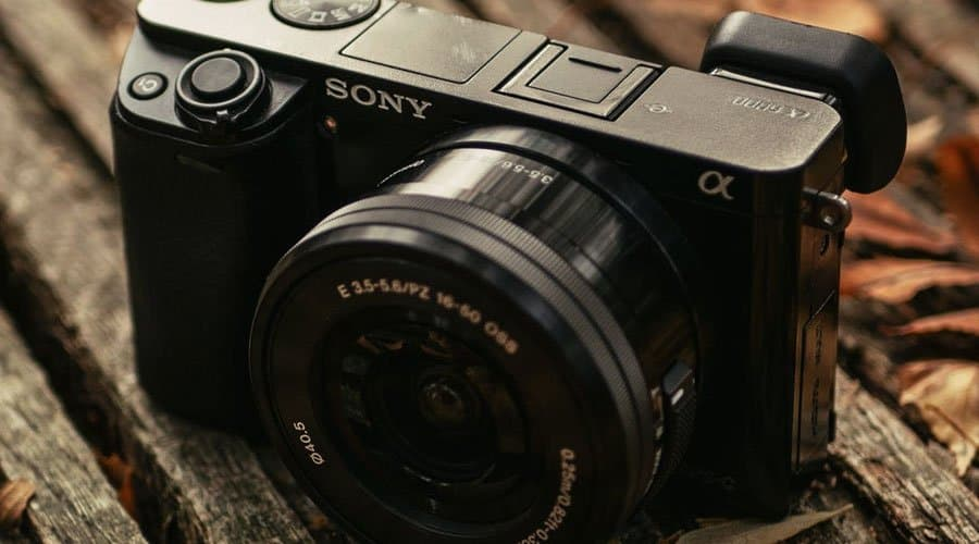 sony-a6300-mirrorless-camera-with-lens