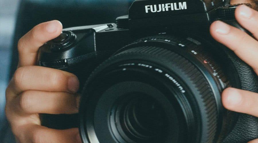 Fujifilm-X-H1-body-with-50mm-lens