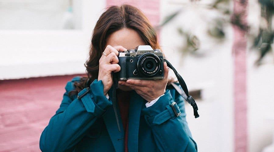 Fujifilm-X-T1-camera-body-with-lens