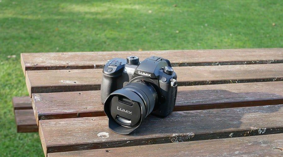 Panasonic-Lumix-GH5-body-with-lens