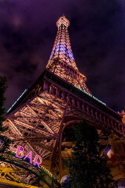 las-vegas-paris-casino-night-photography